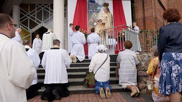 )Mobilna procesja Bozego Ciala w Olsztynie