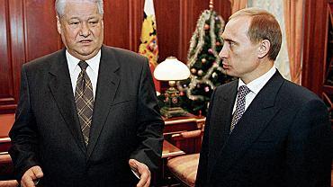 Borys Jelcyn z Władimirem Putinem na Kremlu 31 grudnia 1999 roku. Tego dnia Jelcyn ogłosił światu swoją rezygnację ze stanowiska prezydenta. Pełniącym obowiązki głowy państwa został Putin