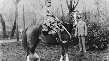 Naczelnik Państwa, Józef Piłsudski (fot. Narodowe Archiwum Cyfrowe)