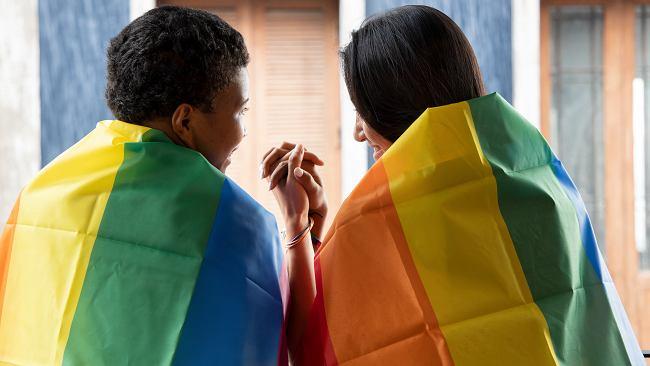 Jak wyglądają śluby osób tej samej płci na świecie? W Polsce też się odbywają, choć prawo ich nie uznaje
