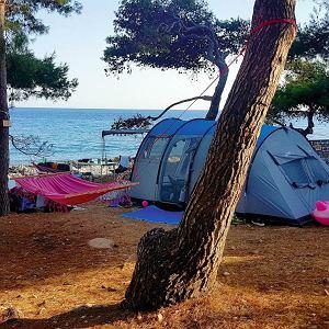 Hvar, namiot nad samym Adriatykiem
