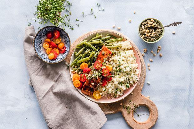 Jak przygotować posiłek, jeśli pracujemy nad rozrostem masy mięśniowej i utratą tkanki tłuszczowej?