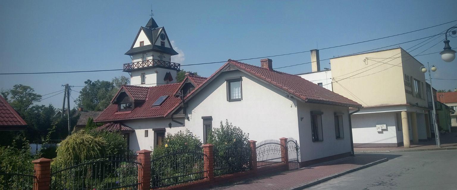Opatowiec przetrwał wielkie wojny - w tej części województwa świętokrzyskiego przechodziły fronty pierwszej i drugiej - doszczętne zniszczenia i pacyfikację (fot: Mariusz Sepioło)