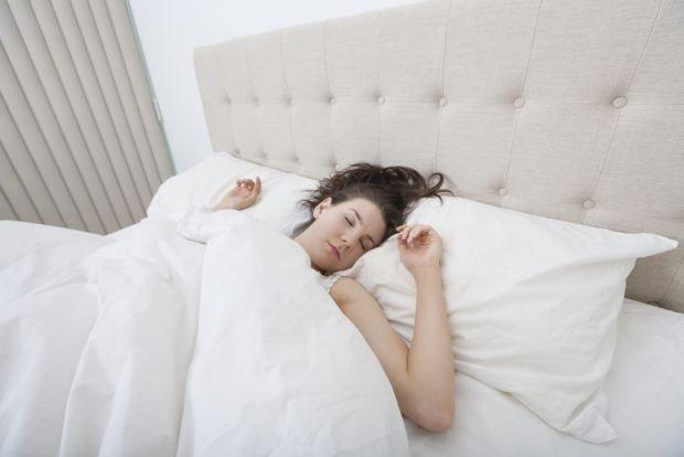 Statystyczny Polak śpi 7 - 8 godzin. Czy to wystarczy?