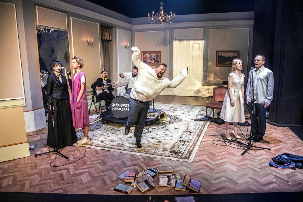 Spektakl 'Sienkiewicz Superstar' Teatr Dramatyczny w Wałbrzychu / NATALIA KABANOW
