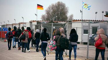 Imigranci z Erytrei w ośrodku rejestracyjnym niedaleko Monachium