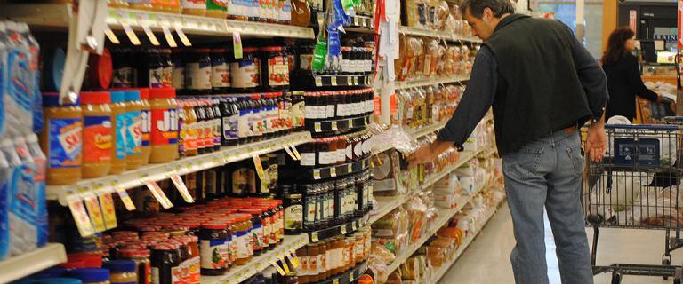 Zakaz podwójnej jakości żywności przyjęty. W Polsce ma być tak jak w innych krajach Unii