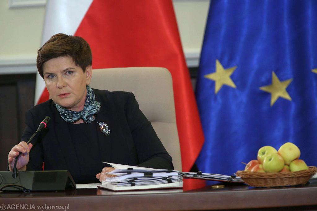 Premier Szydło podsumowuje pół roku rządów