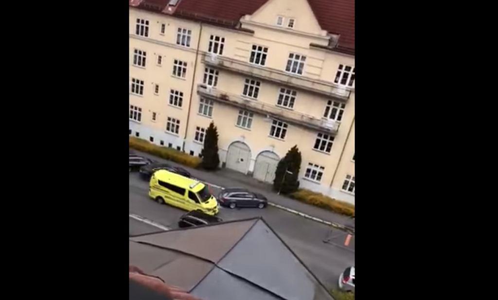 Oslo. Uzbrojony mężczyzna uprowadził karetkę