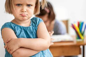 """Bunt czterolatka? """"Kiedy wpadnie w szał, krzyczy, gryzie, kopie, brzydko mówi, płacze"""""""