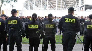 Żużlowe derby zabezpieczało ponad 450 policjantów z całego województwa