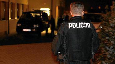 Policja na miejscu morderstwa