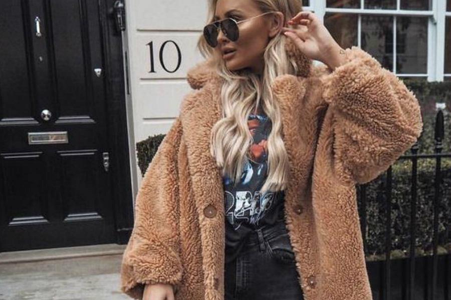pluszowa kurtka w  kolorze beżowym