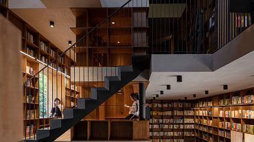 Budynek z gliny, błota i drewna zmieniony w nietypowy hotel