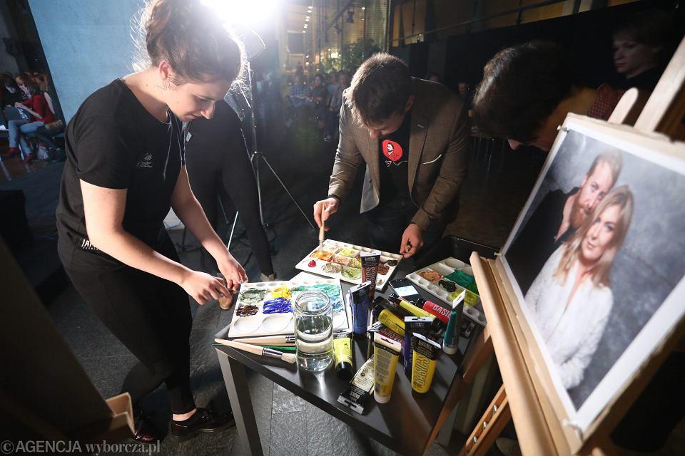 Malowanie obrazu reżyserów filmu 'Twój Vincent' w Centrum Premier Czerska 8/10
