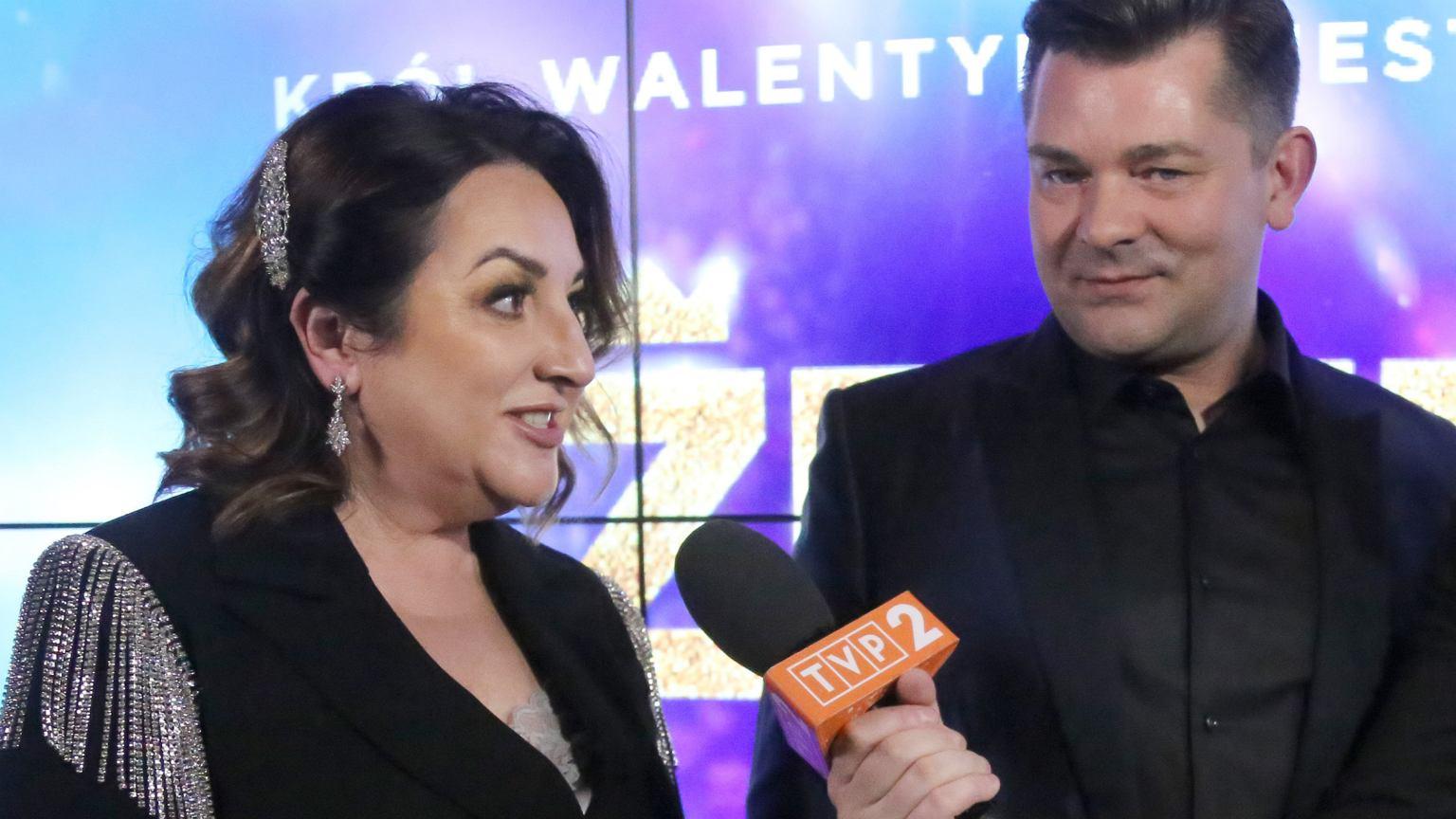 Danuta Martyniuk towarzyszy Zenkowi podczas promocji filmu. My patrzymy na jej drapieżną stylizację