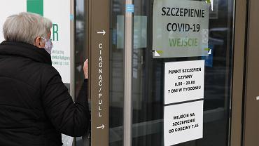 Punkt szczepień przeciwko COVID-19 w Hali EXPO w Krakowie