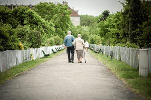 PiS znów zmienia zasady waloryzacji emerytur. Przy okazji ukrywa wydatki