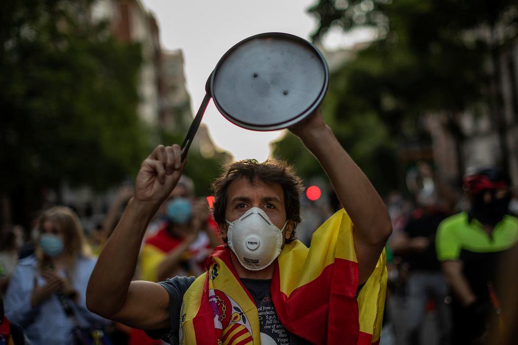 Koronawirus w Hiszpanii. Protest przeciwko przedłużeniu obostrzeń.