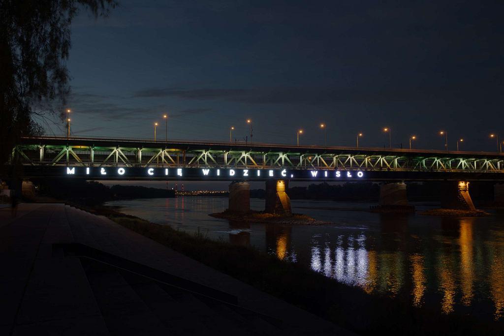 Miło Cię widzieć, Wisło. Neon na Moście Gdańskim / Materiały prasowe