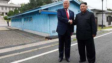 Historyczne spotkanie Donalda Trumpa z Kim Dzong Unem. Trump jako pierwszy prezydent USA wszedł na terytorium Korei Północnej