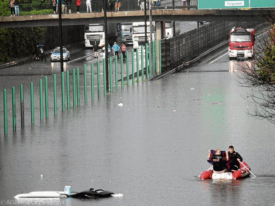 Pogoda w Warszawie. Podtopienia po ulewach