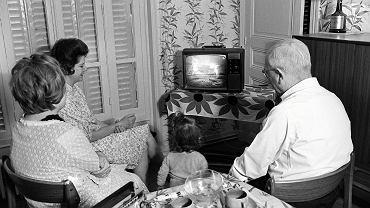Telewizory były wtedy w niewielu polskich domach, ale kto go już miał, oglądał pierwsze lądowanie na Księżycu. Zapraszano też sąsiadów