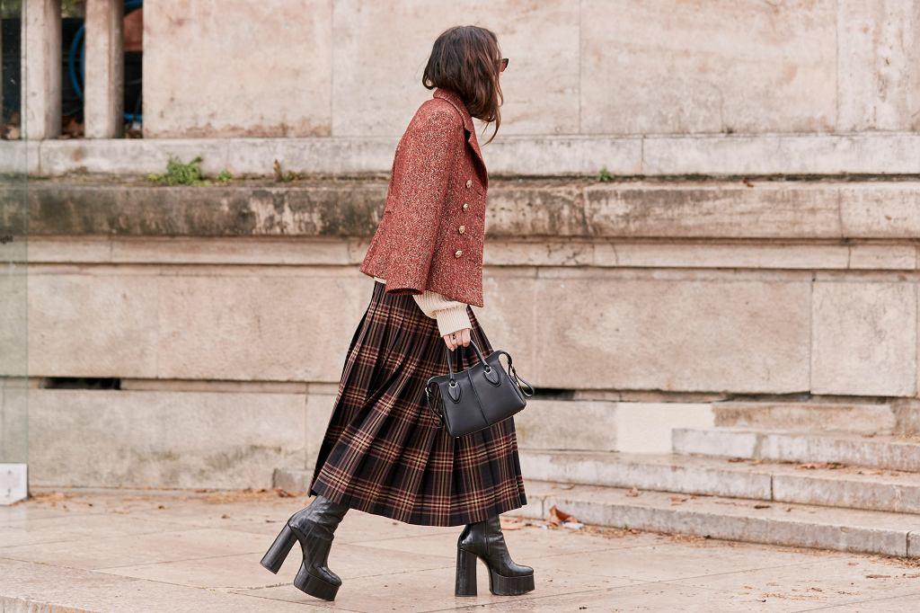 Jak nosić buty na platformie
