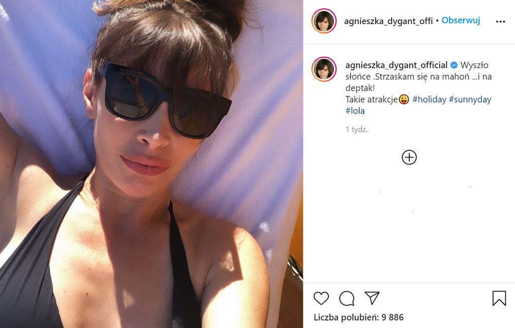 Agnieszka Dygant w bikini na plaży. Anna Kalczyńska: 'Są jakieś granice!'
