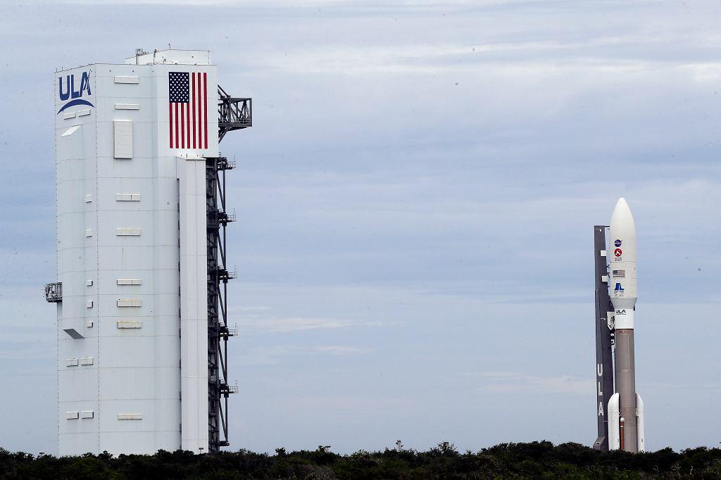 Rakieta Atlas V przed rozpoczęciem misji NASA na Marsa.