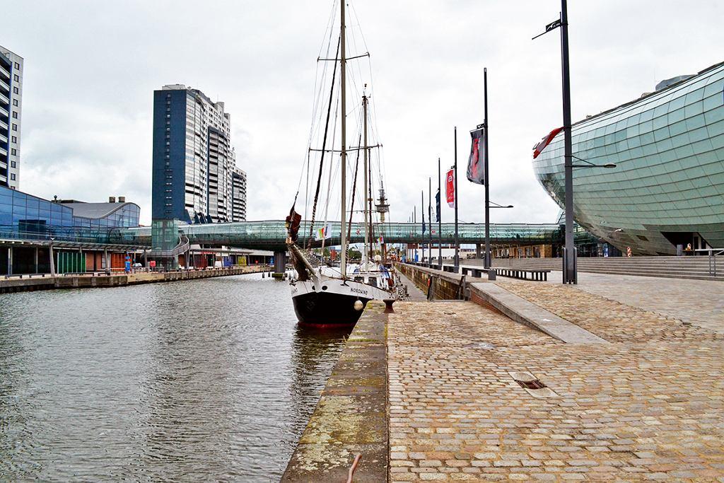 Bremerhaven, Klimahaus po prawej