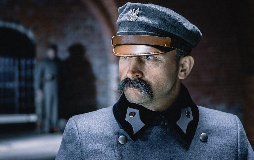 Borys Szyc jako Piłsudski w filmie Michała Rosy