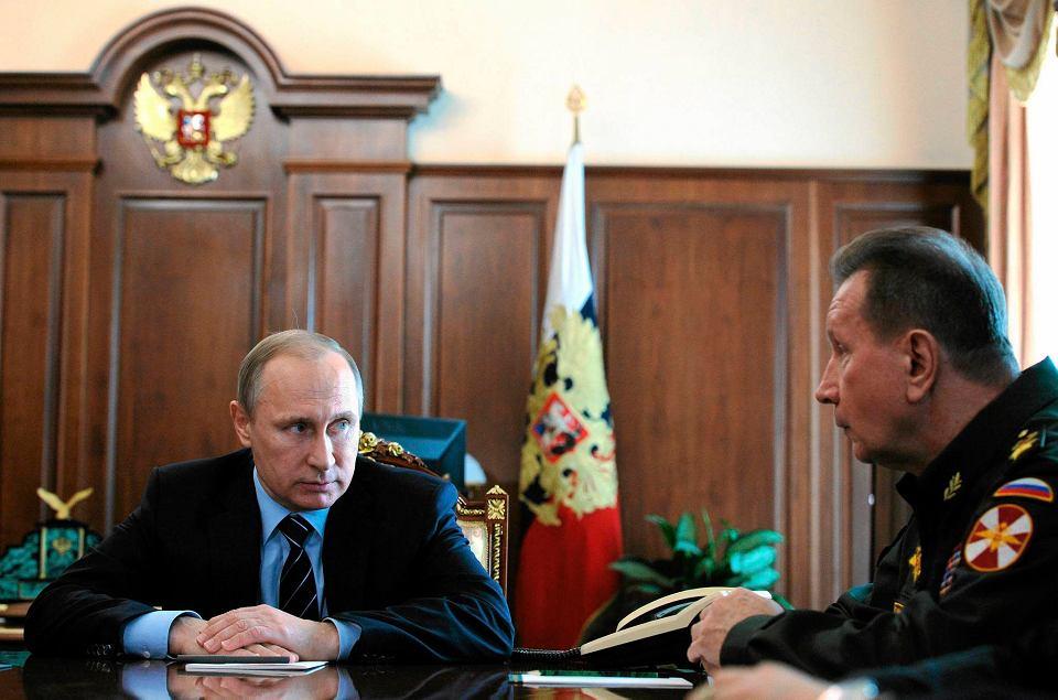 Rosyjską Gwardią Narodową ma kierować gen. Wiktor Zołotow (z prawej), zaufany człowiek Putina, przez ostatnie lata szef Federalnej Służby Ochrony
