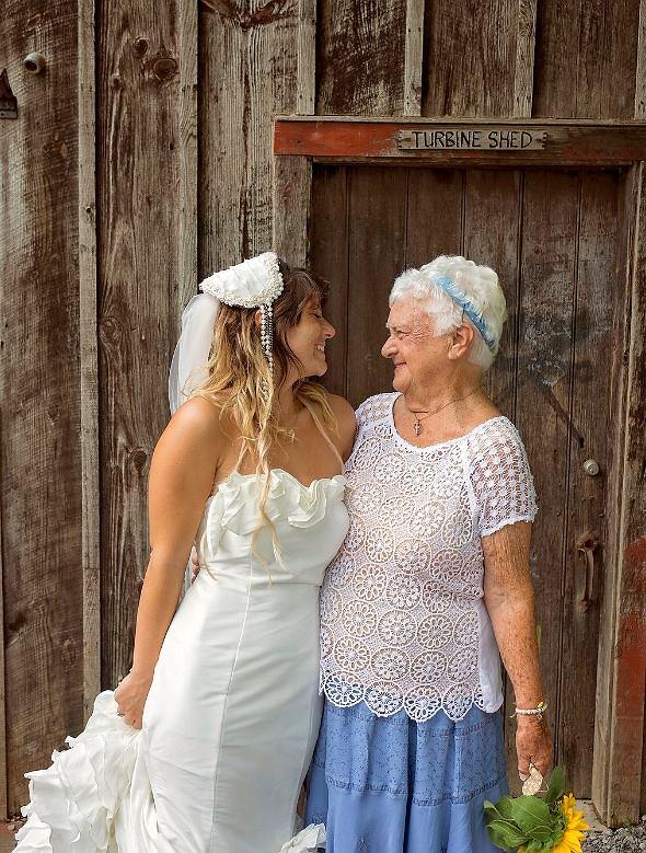 Babcia Amandy to jej najlepsza przyjaciółka.