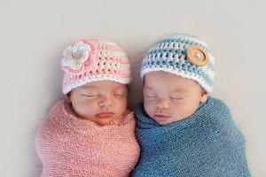 Noworodki z zębami, wysokie kobiety rodzą bliźnięta... Te fakty o zapłodnieniu i ciąży na pewno cię zaskoczą!