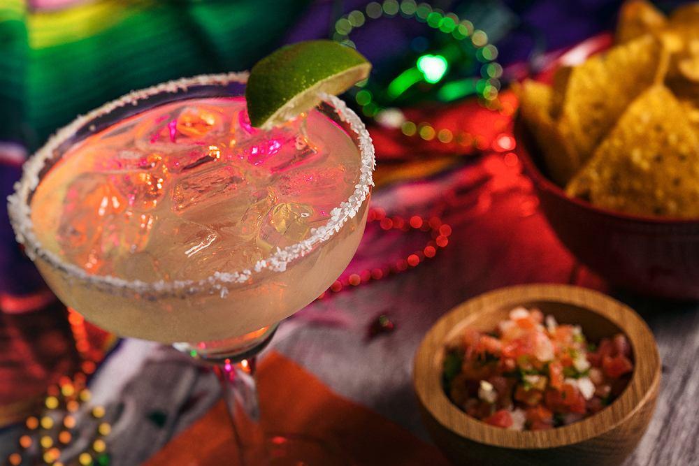 Dobre drinki bezalkoholowe. Zostań mistrzem domowych drinków! Zdjęcie ilustracyjne