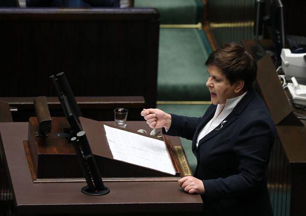 Beata Szydło podczas sejmowego wystąpienia ws. nagród dla swojego rządu
