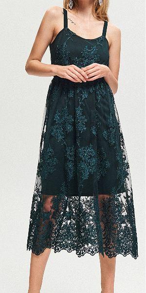 Zielona sukienka koronkowa