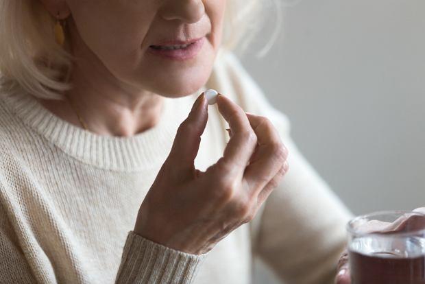 Naukowcy z Wielkiej Brytanii testują ibuprofen w leczeniu COVID-19