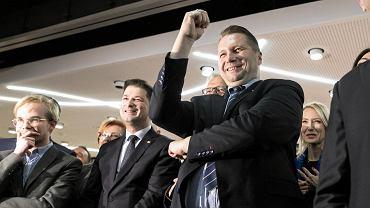 Lublin 2019. Przemysław Czarnek podczas wieczoru wyborczego po zwycięskiej kampanii PiS