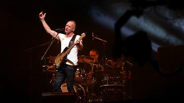 Sting na koncercie w Oświęcimiu w 2013 roku.