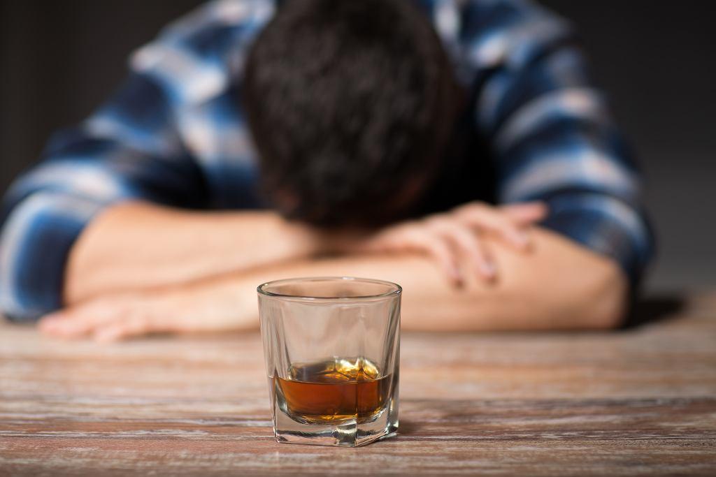 'Fakt, mój alkoholizm - zapewne dzięki pierwszej terapii - nie sprawił, że całkowicie porzuciłem swoje dziecko.'