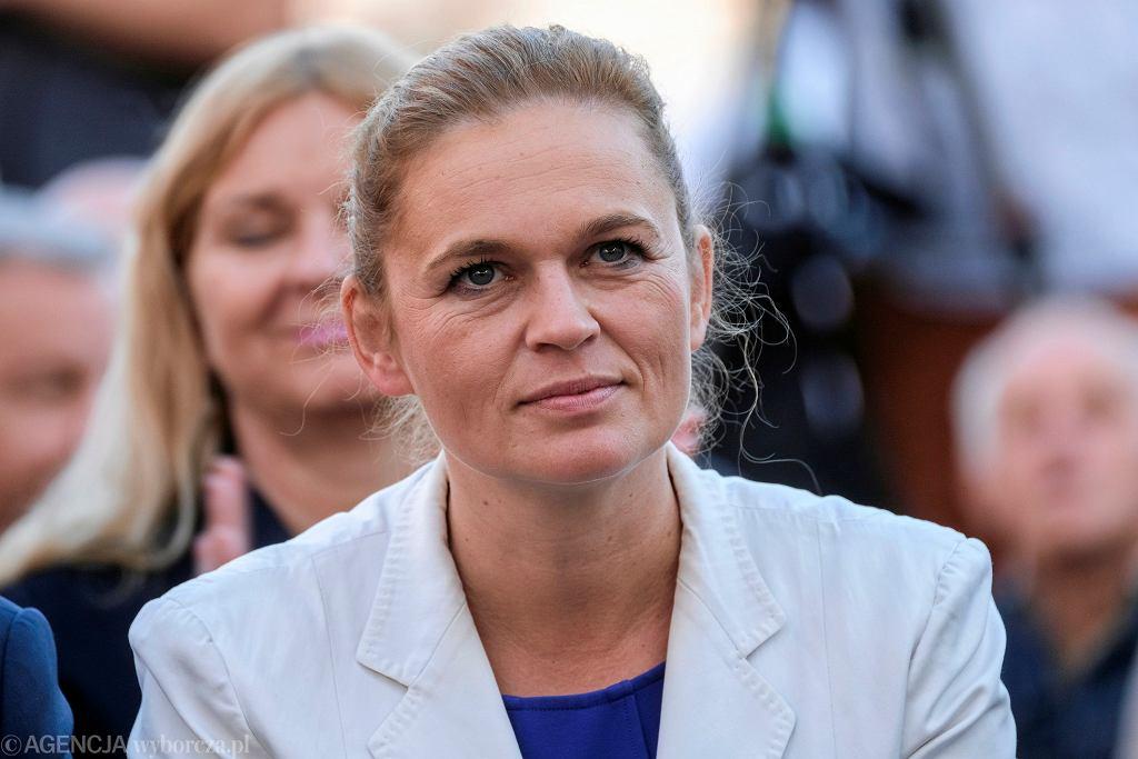 Barbara Nowacka zapowiedziała projekt ustawy rozdziału państwa od Kościoła