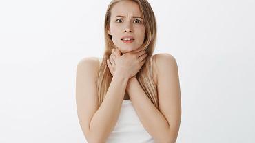 Gula w gardle może być związana z silnym stresem, nerwicą