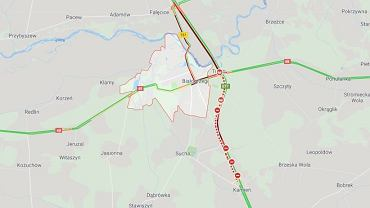 Ciężarówka przewróciła się na drogę S7 w miejscowości Białobrzegi
