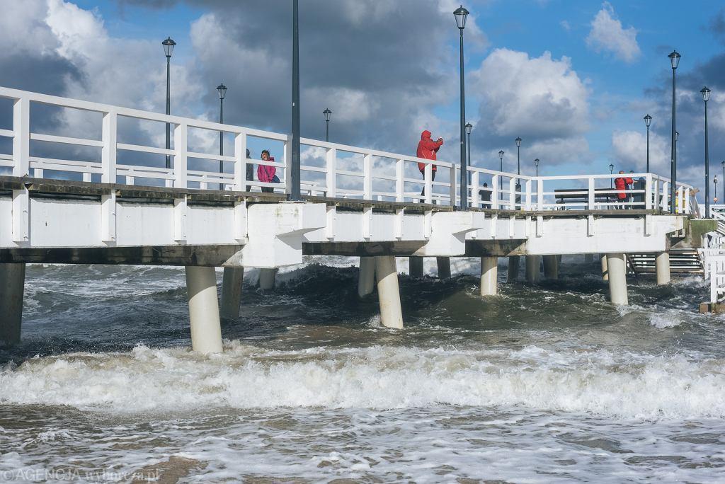 Silny wiatr na Bałtyku w Gdańsku (zdjęcie archiwalne)