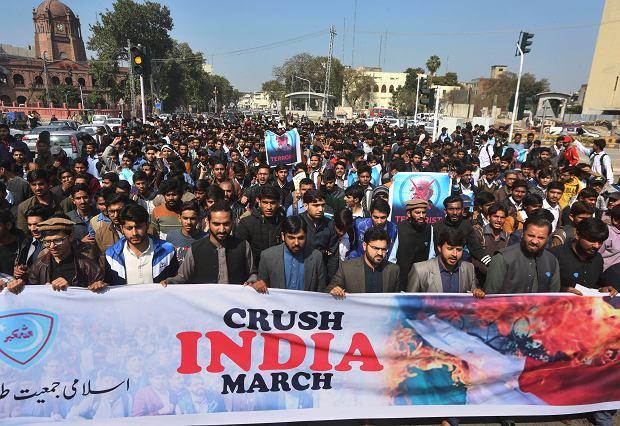 Demonstracja islamskich radykałów w Pakistanie, domagających się wojny z Indiami