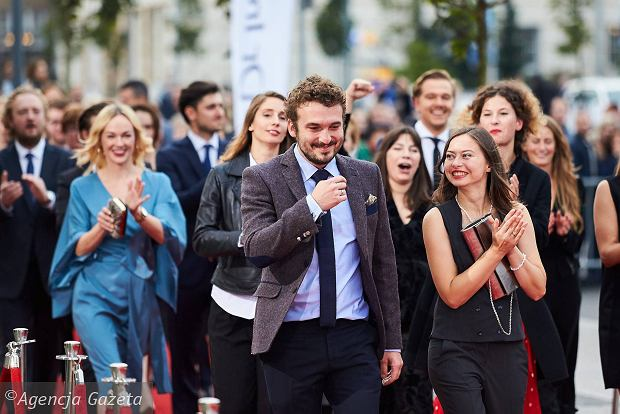 Zdjęcie numer 15 w galerii - Boczarska, Szyc, Gierszał: ekipy filmowe i gwiazdy na czerwonym dywanie Festiwalu Polskich Filmów Fabularnych w Gdyni