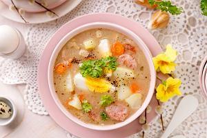 Żurek wielkanocny na zakwasie - przepis na doskonałą zupę, która sprawdzi się nie tylko na święta