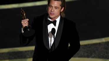 Brad Pitt ze swoim Oscarem